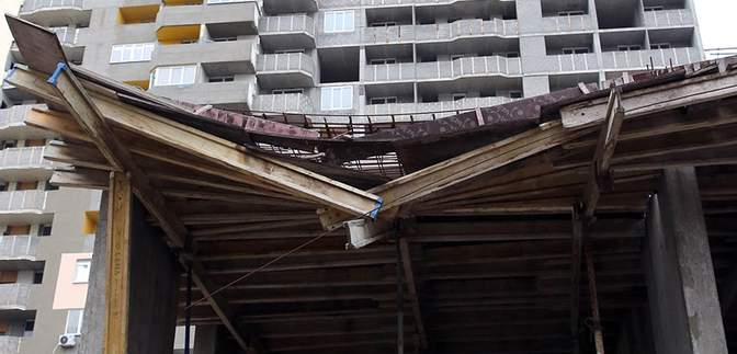В Киеве власти обещают достроить заброшенные застройщиками объекты