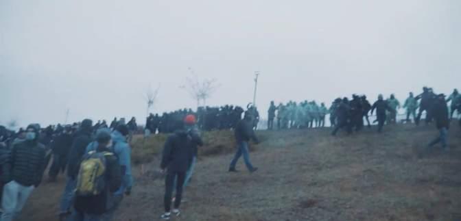 Возле Мемориала жертвам Голодомора в Харькове произошли столкновения: фото, видео