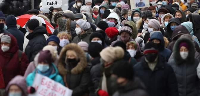 Щоб змусити людей піти: у МВС Білорусі виправдали застосування спецзасобів силовиками