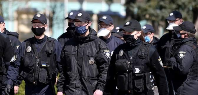Без захисної маски у громадських місцях: скільки порушників карантину зловила поліція