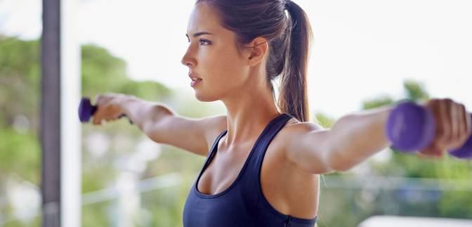 Красиві плечі в домашніх умовах: що потрібно робити