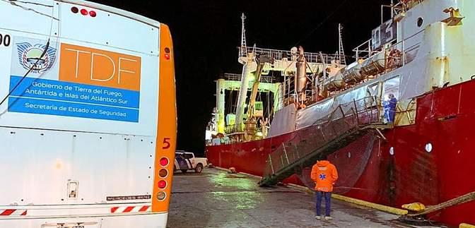 Сотни тысяч моряков застряли на судах из-за COVID-19, – ООН