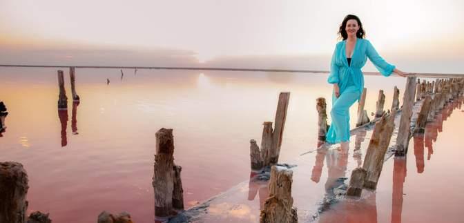Відома телеведуча Соломія Вітвіцька показала свої улюблені фото з мандрів Україною