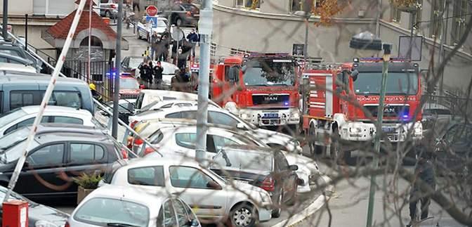 Сильний вибух прогримів біля телецентру в Сербії: є жертви, відео руйнувань
