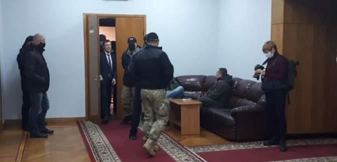 В Запорожском облсовете произошла драка с участием полиции: что известно