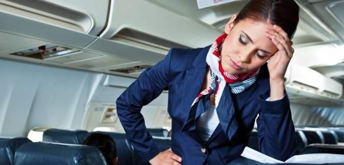 """Які витівки пасажирів змушують бортпровідників """"закочувати очі"""" – перелік"""