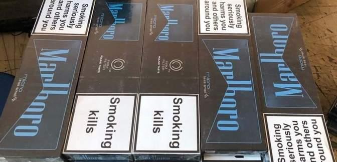 Замаскировали блоки сигарет под конфеты: служебный пес нашел контрабанду – фото