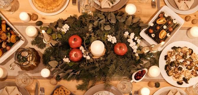 Не отказывайте себе: как питаться за праздничным столом и не навредить