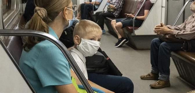 Лаявся і зламав турнікет: пасажир київського метро став зіркою мережі – відео