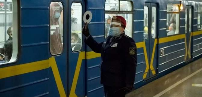 У Київському метро можуть закрити деякі станції через посилення карантину
