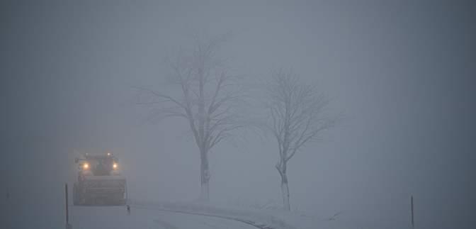 Вот это замело: в Украине выпало до 35 сантиметров снега