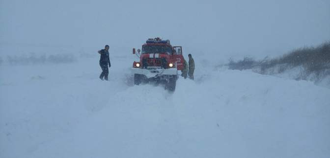 Триває сніговий шторм у центрі та на півдні України: яка ситуація на дорогах