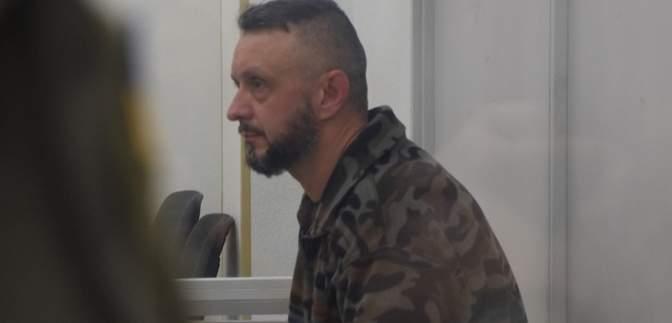 Более десятка людей хотели взять на поруки: суд оставил Антоненко под стражей – фото, видео