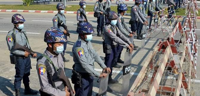 Военный переворот в Мьянме: чрезвычайное положение в стране будет круглый год