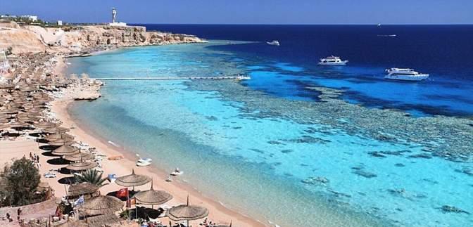 Популярный египетский курорт обнесли 36-километровой стеной с колючей проволокой