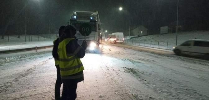 Через негоду на Львівщині обмежили рух вантажівок: перелік доріг