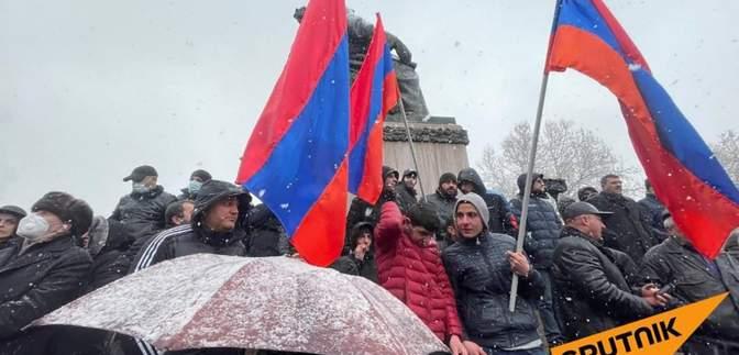 Пашиняна – у відставку: у Вірменії відновили протести проти прем'єра – фото, відео