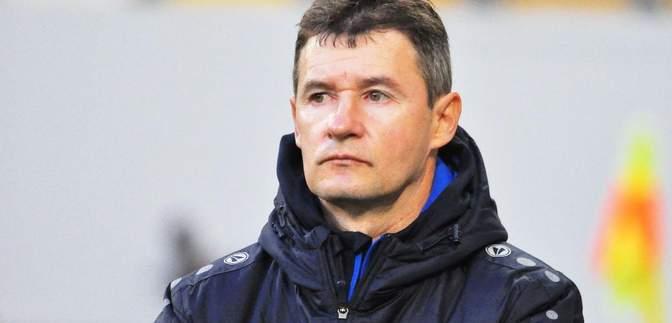 Как в УПЛ судья наказал тренера за просьбу разговаривать на украинском: видео эпизода