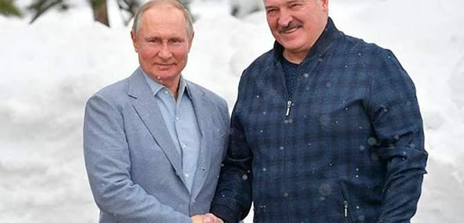 Лукашенко удерживается у власти только благодаря России, – Губаревич