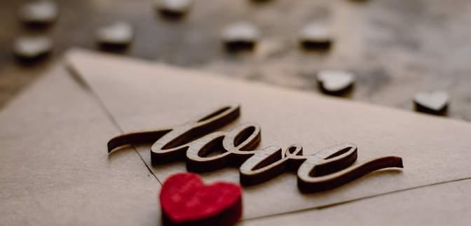 Лучший способ выразить чувства: 6 правил, чтобы написать незабываемое любовное письмо