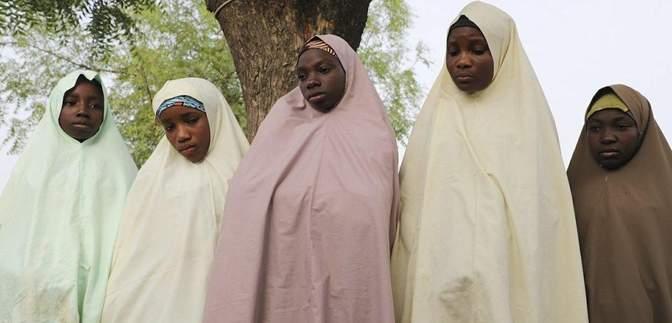 Бойовики у Нігерії викрали зі школи понад 300 дівчат: що з ними буде