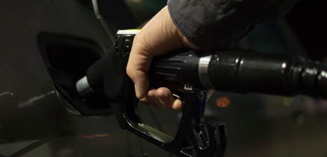 Ціни на бензин і дизель підскочили більш як на 10%: як заощадити на пальному