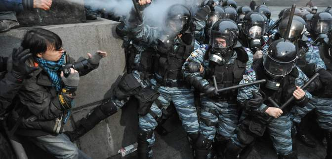 """Дела Майдана: суд разрешил спецрасследование относительно """"титушек"""", которые помогали """"Беркуту"""""""