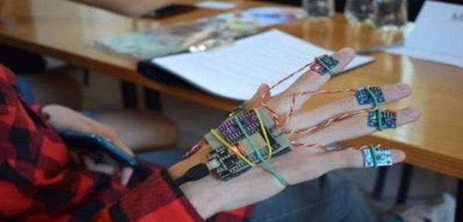 Украинский студент создал клавиатуру-перчатку MPBoard: о разработке
