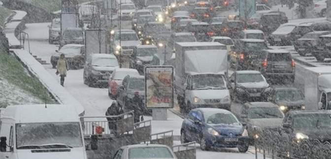 Из-за снегопада и аварий: Киев парализовали жесткие пробки – видео