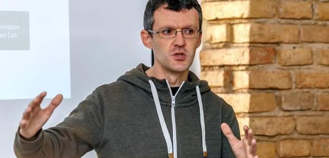 """Розслідував """"беркутівців"""": МЗС відреагувало на затримання журналіста InformNapalm Івашина"""