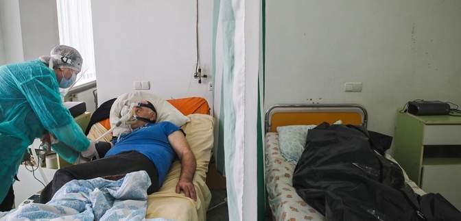 Живих від мертвих відмежовує фіранка: у Коломиї – страшна ситуація в лікарні