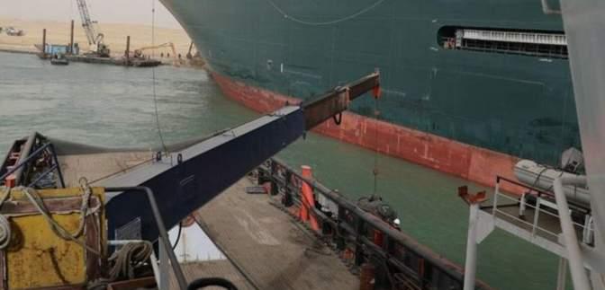 Затримка товарів на 400 мільйонів на годину: контейнеровоз блокує Суецький канал