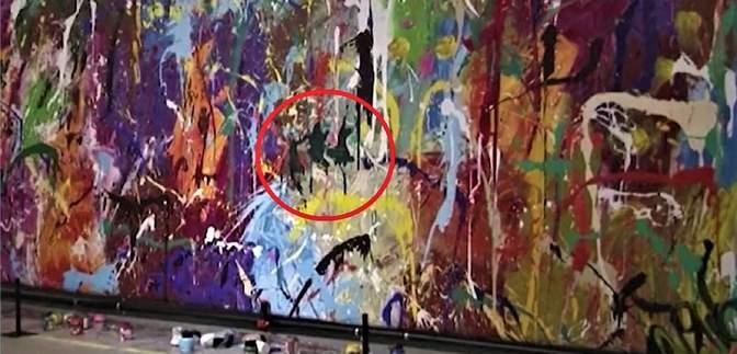 Дорогая ошибка: посетители выставки испортили граффити стоимостью 440 тысяч долларов