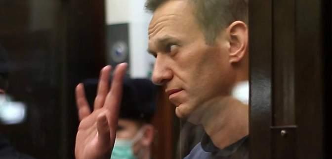 Сильный кашель и температура: Навальный заявил о вспышке туберкулеза в колонии