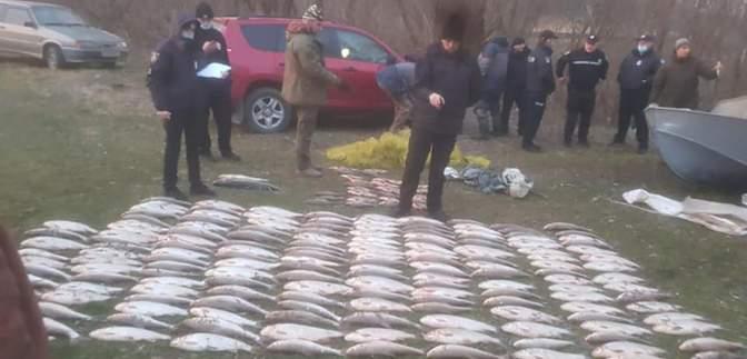 Ущерб почти на 1,7 миллиона: на Буковине задержали 2 браконьеров рыбы