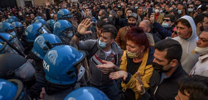Під час мітингу в Римі представники бізнесу побилися із поліцією