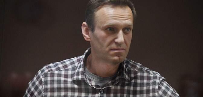 Погрожують примусово годувати: Навального перевели до колонії