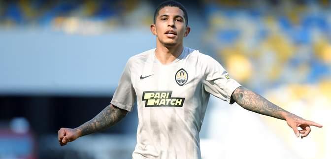 Судья ошибочно назначил пенальти в ворота Мариуполя в игре с Шахтером: видео