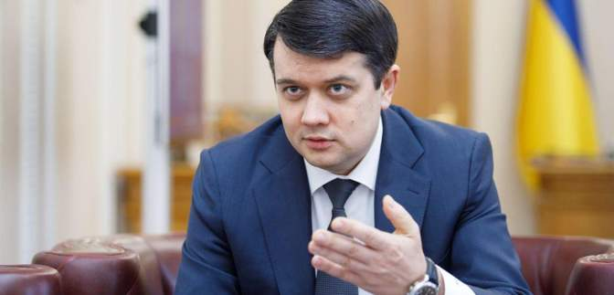 Умови чітко визначені, – Разумков розповів про можливість введення воєнного стану в Україні