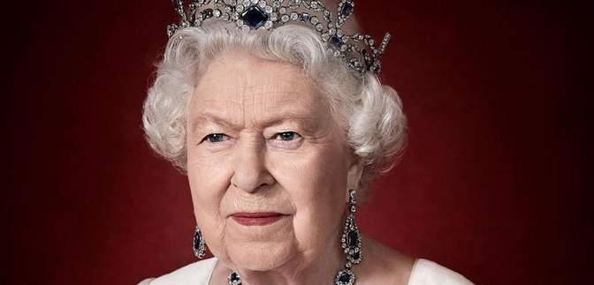 Впервые после смерти принца Филиппа: Елизавета II поблагодарила мир за поддержку
