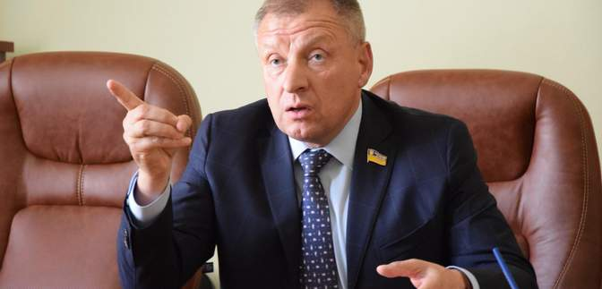 Молода – значить хтось по*обує, – депутат Юрчишин вляпався у скандал в переписці