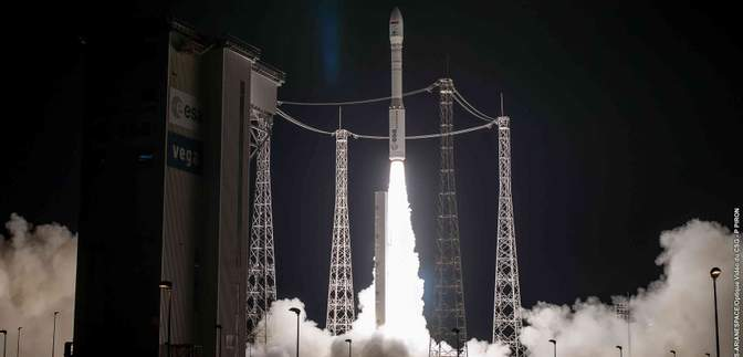 Почти на 6 миллионов евро: Италия снова покупает украинские двигатели для ракеты Vega