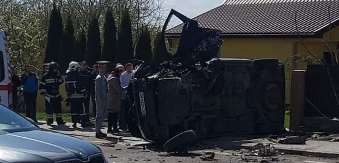 Авто отлетело и перевернулось: на Львовщине произошло масштабное ДТП – фото и видео
