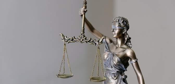 Произвол, взятки и решения за деньги: судебную реформу в Украине проводят медленными шагами