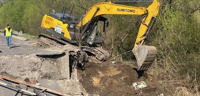 Як об'їхати зруйнований міст на трасі Львів – Луцьк: затвердили схему