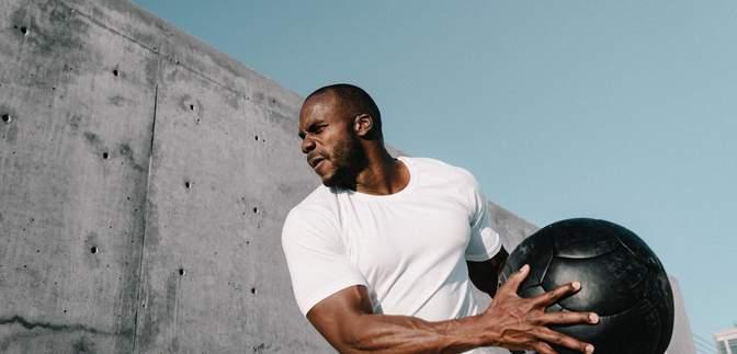 Як повернутися у форму Віллу Сміту: 4 фітнес-поради для чоловіків після 40