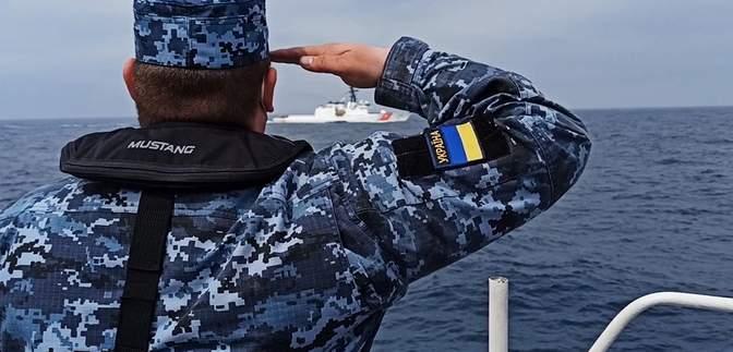 Пограничники провели совместные учения с фрегатом морской охраны США: видео