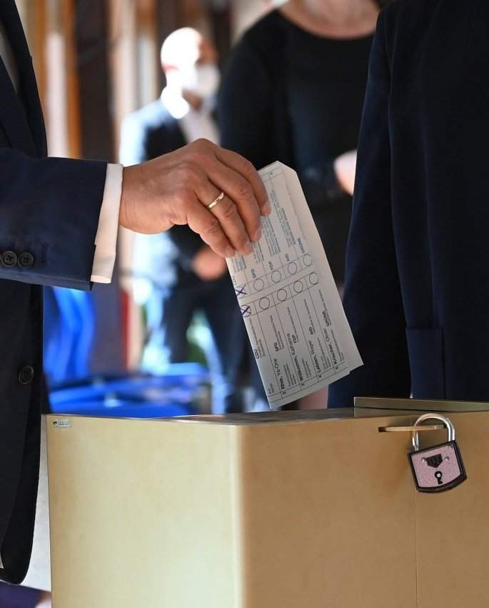 голосування Лашета