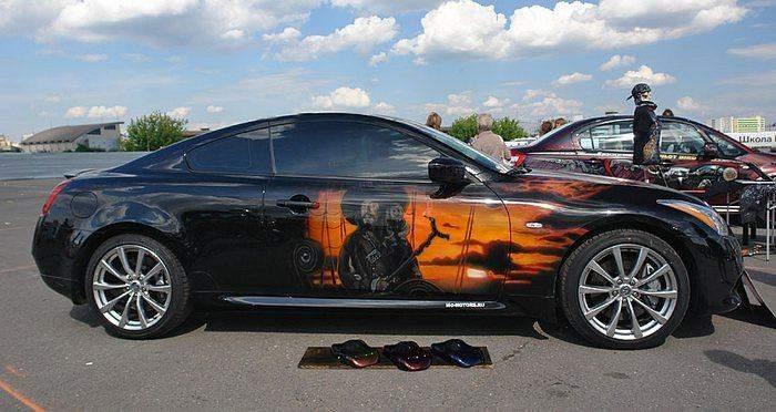 Розмалюйте автомобіль