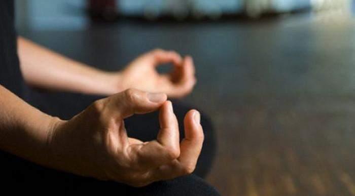 Медитувати